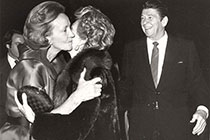Katharine Graham and President Reagan