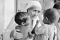 Mother Teresa with young children